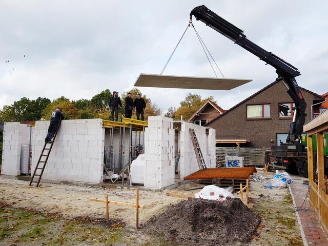 Errichtung der Wände und Decken